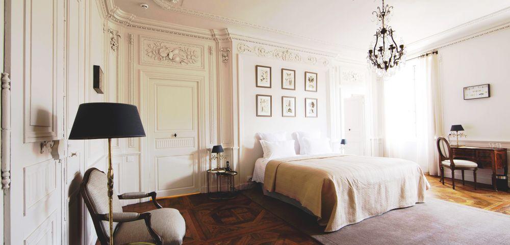 Luxe, confort et gastronomie, Hôtel de la Villeon
