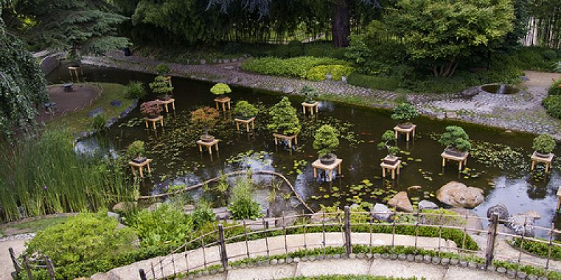 Jardin japonais a paris 15 le village japonais conforme for Mobilier japonais paris 15