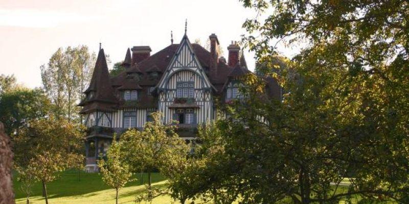 invitation au c ur des plus belles villas de france 52 weekends. Black Bedroom Furniture Sets. Home Design Ideas