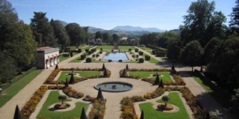 Invitation au c ur des plus belles villas de france 52 - Mobilier jardin witry les reims villeurbanne ...