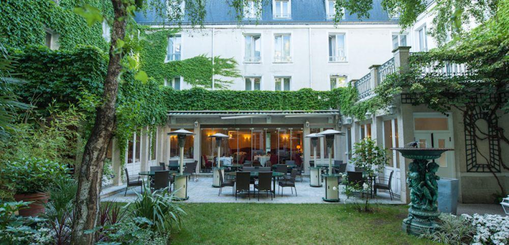 Calme et confort étudié, Hôtel Napoléon Fontainebleau